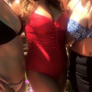 Red scrunched front one piece bathing suit sz 10